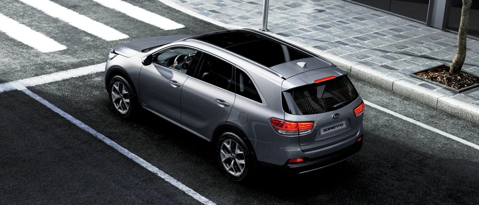 2016-Kia-Sorento-Top-Rear