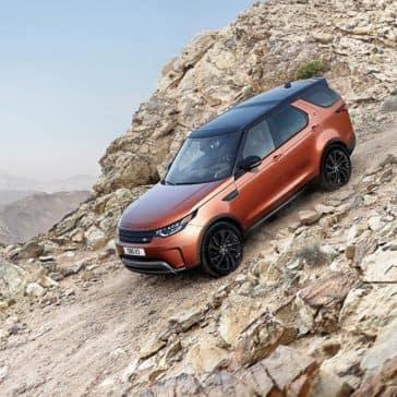2018 Land Rover Discovery climbing