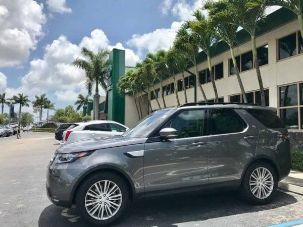 Land Rover Discovery at Land Rover Palm Beach