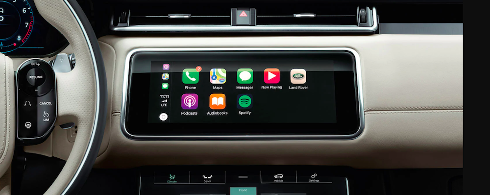 Land Rover Apple CarPlay interface