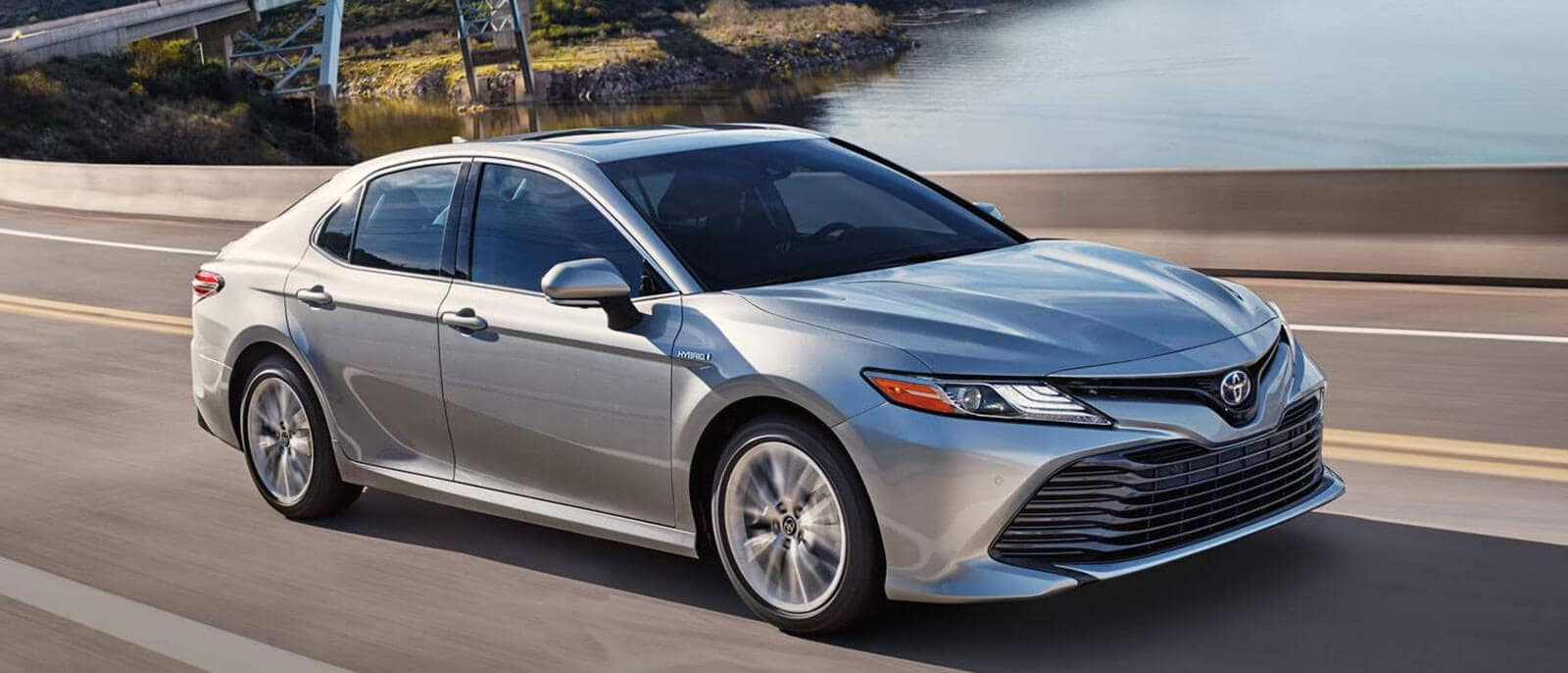 2018 toyota camry specs and features lethbridge toyota. Black Bedroom Furniture Sets. Home Design Ideas