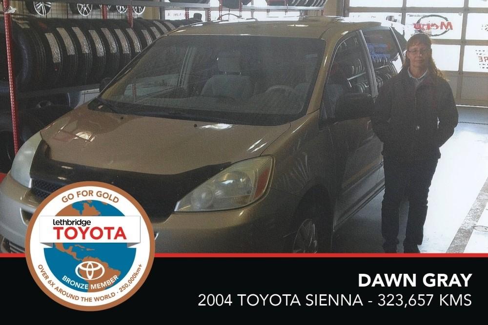 GFG. Bronze. Dawn Gray. 2004 Toyota Sienna. 323 657 KM. July 2017