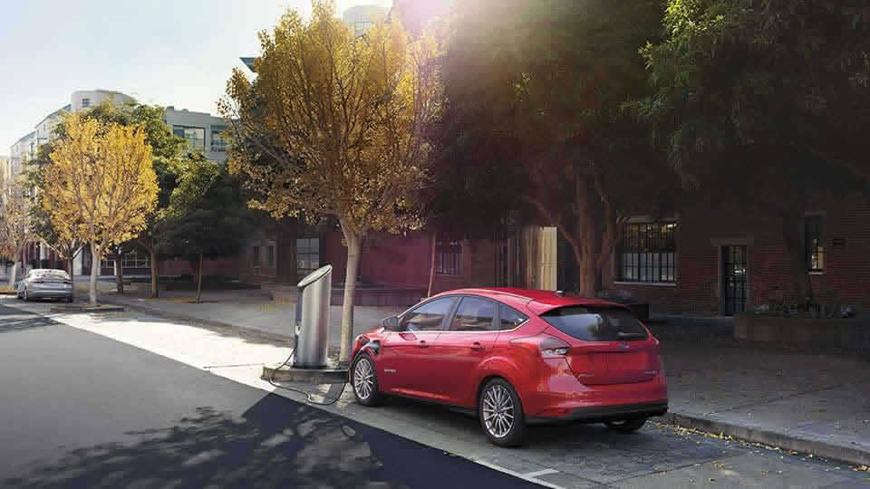 2017 Focus Electric Overview at Maclin Ford & 2017 Ford Focus Electric Overview | Maclin Ford in Calgary AB markmcfarlin.com