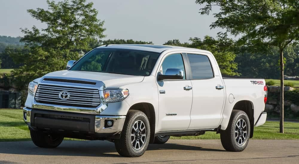 Used white 2016 Toyota Tundra from Cincinnati Auto dealer