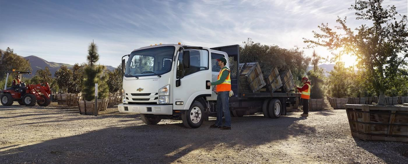 5 Things You Need to Know About Chevy's LCF Box Truck