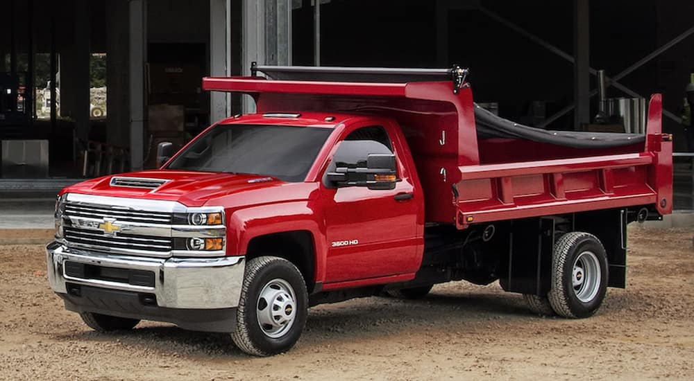 Dump Truck For Sale >> Dump Trucks For Sale Cincinnati Mccluskey Chevrolet