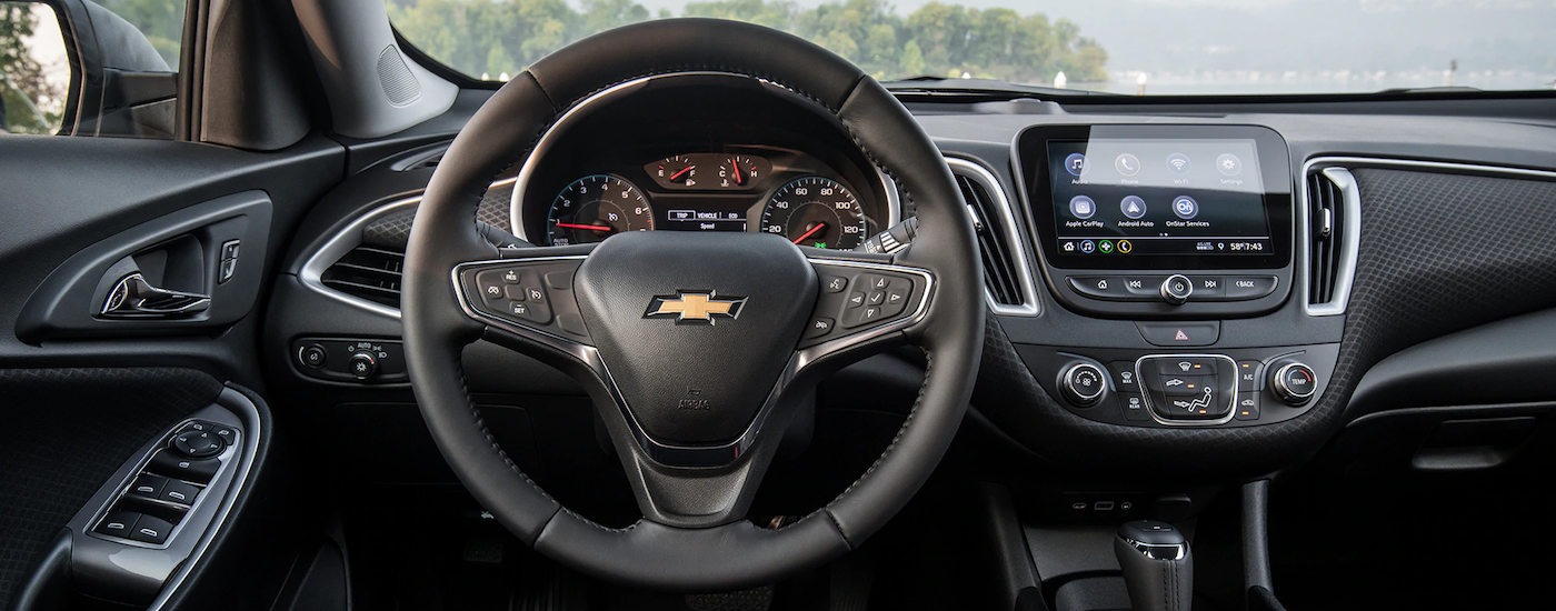 The dashboard and technology features are shown on the 2019 Chevrolet Malibu.