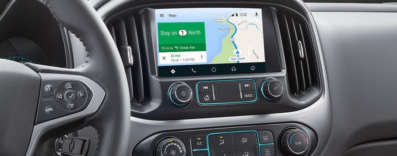 Gray interior and touchscreen of 2019 Chevy Colorado