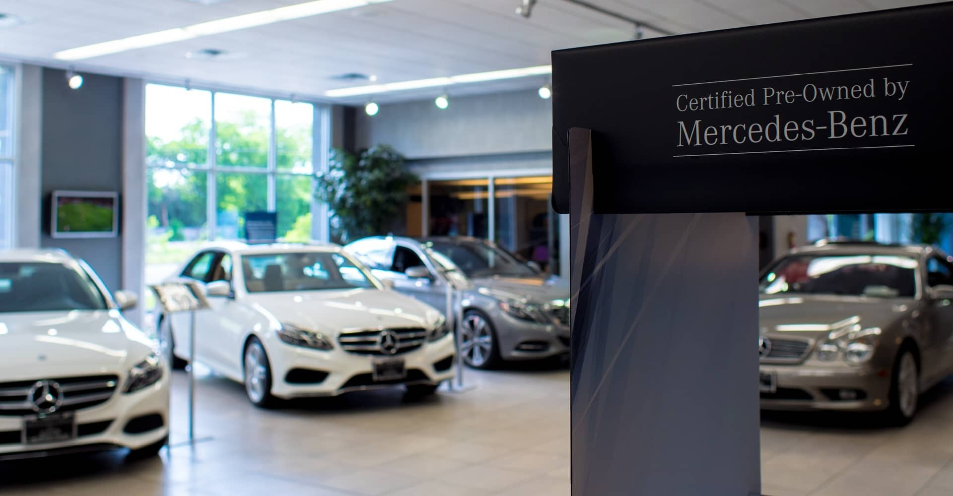 Benefits of buying mercedes benz certified pre owned for Mercedes benz dealers in michigan