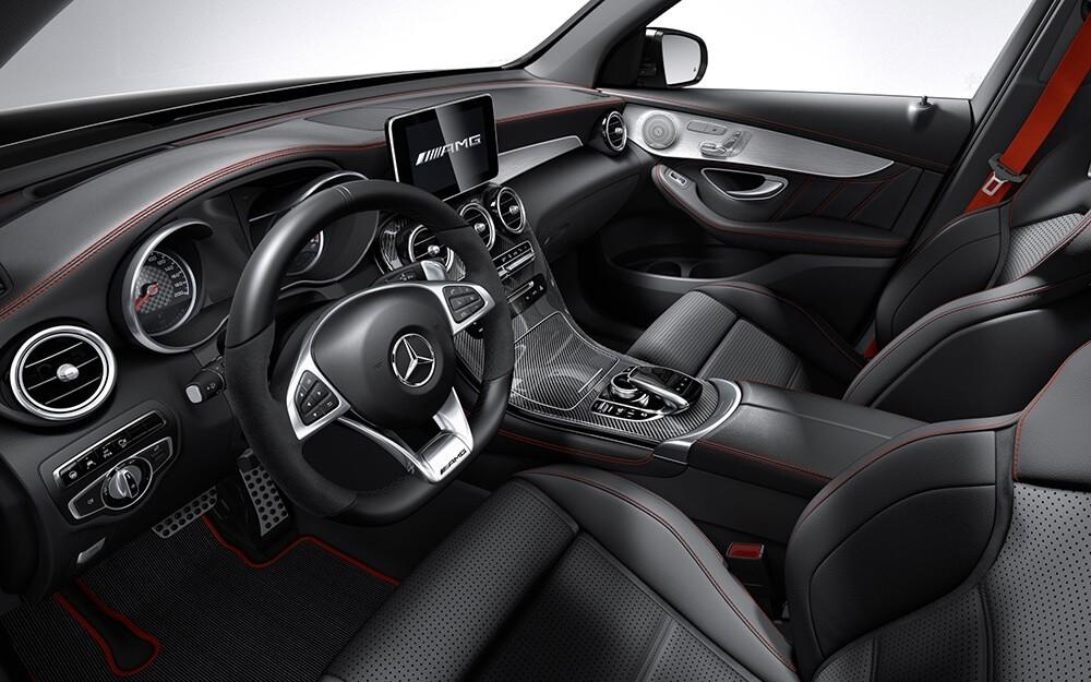 2018 Mercedes-Benz GLC 300 dashboard