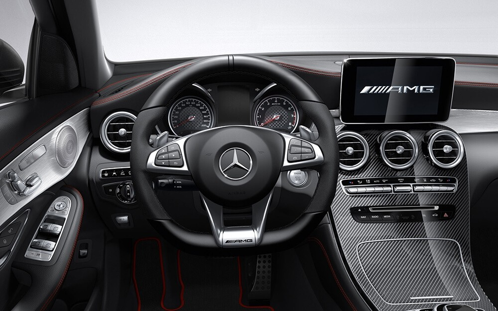 2018 Mercedes-Benz GLC 300 steering wheel