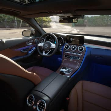 2019-Mercedes-Benz-C-Class-Sedan-front-interior