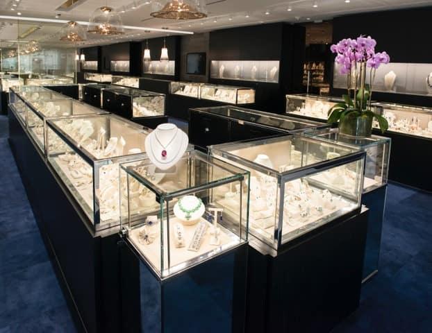 First class access tenenbaum jewelers mercedes benz for Mercedes benz of sugar land