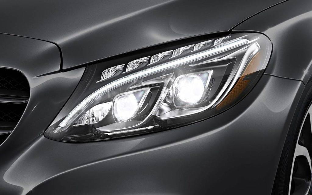 2017-C300-Sedan-Headlight