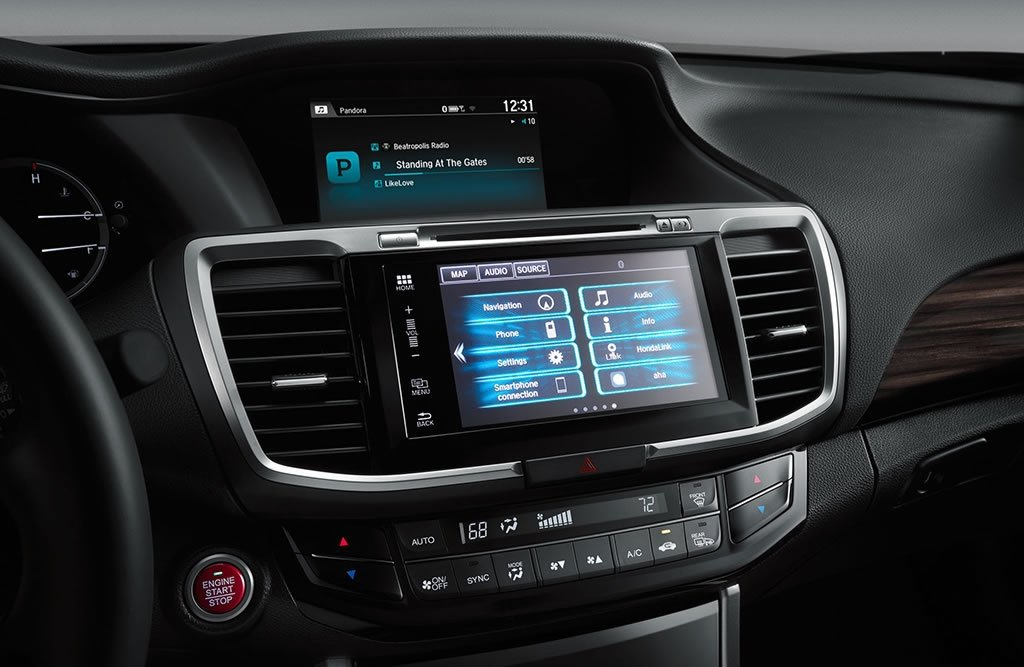 2017 Honda Accord Sedan Connectivity