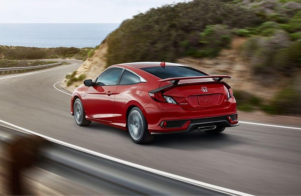 2017 Honda Civic Si Coupe driving
