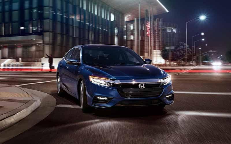 2019 Honda Insight Turning a corner