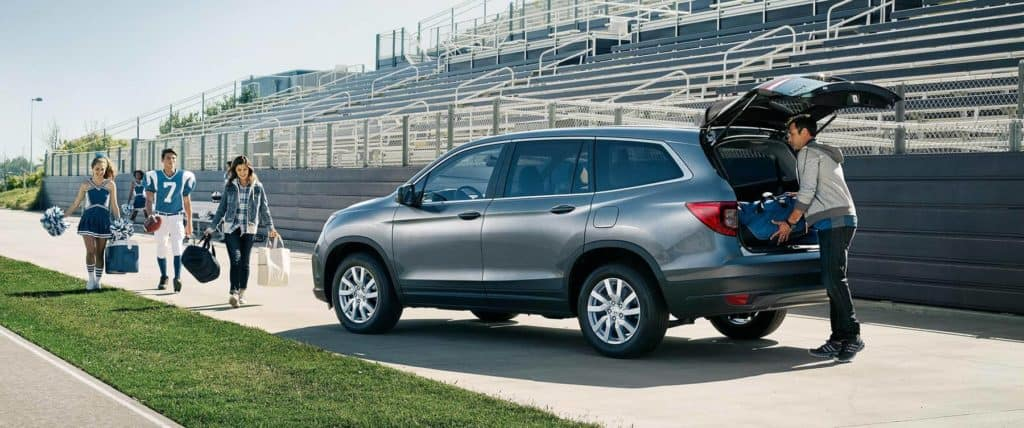 2019 Honda Pilot Parked at school football field