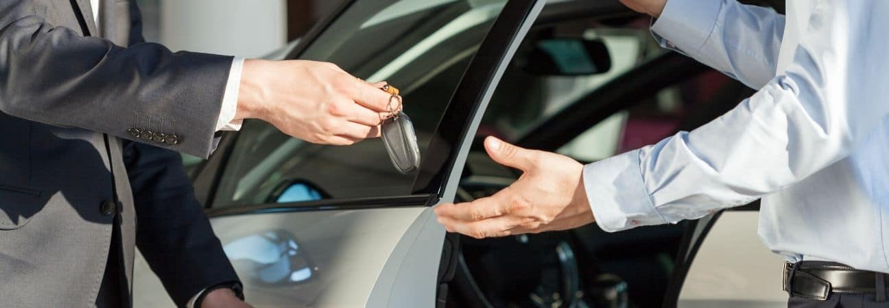 helping customers to find the right car