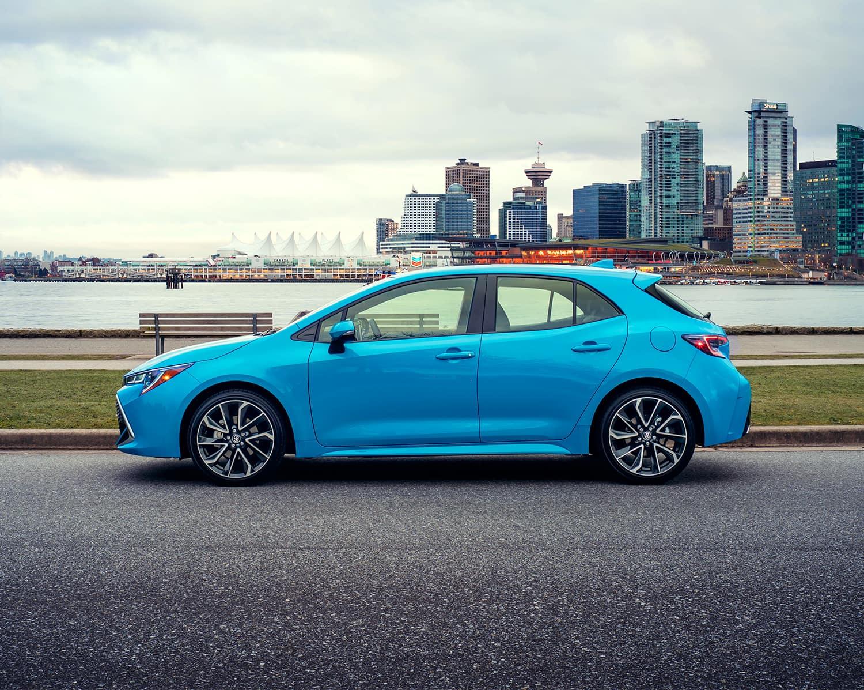https://di-uploads-pod5.dealerinspire.com/sherwoodparktoyota/uploads/2018/09/toyota-2019-corolla-hatchback-blue-flame-profile-l.jpg