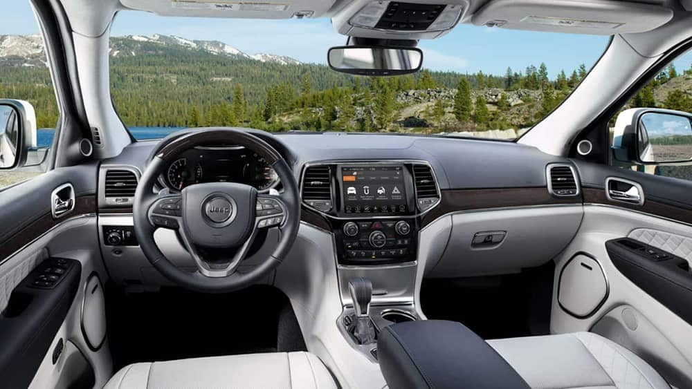 2019 Jeep Grand Cherokee dashboard view of nature