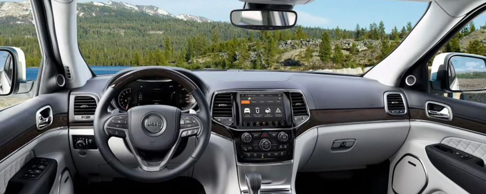 2019 Jeep Grand Cherokee Driver's View