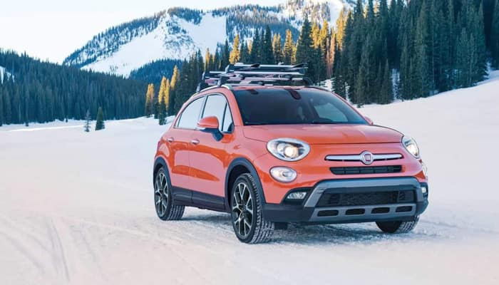 2018 Fiat 500x Outdoors Driving in Snow