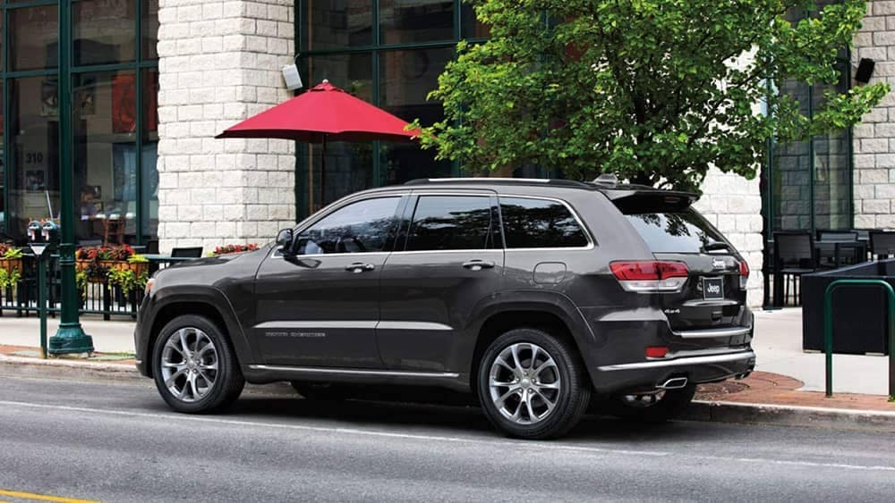 2019 Jeep Grand Cherokee parked by a cafe