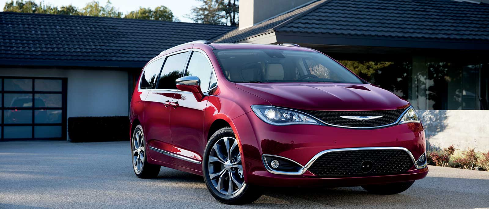 2017 Chrysler Pacifica in red