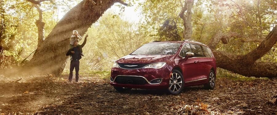 Chrysler Pacifica in Velvet Red Pearl Coat