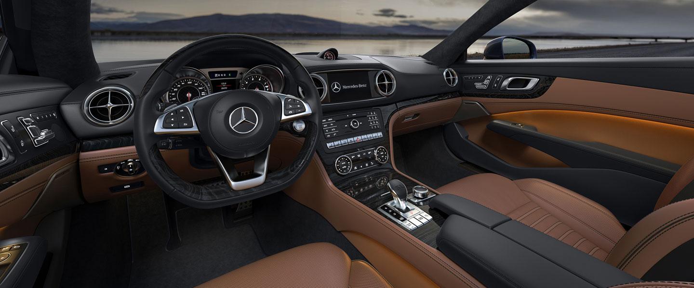 2017 Mercedes-Benz SL Roadster dashboard