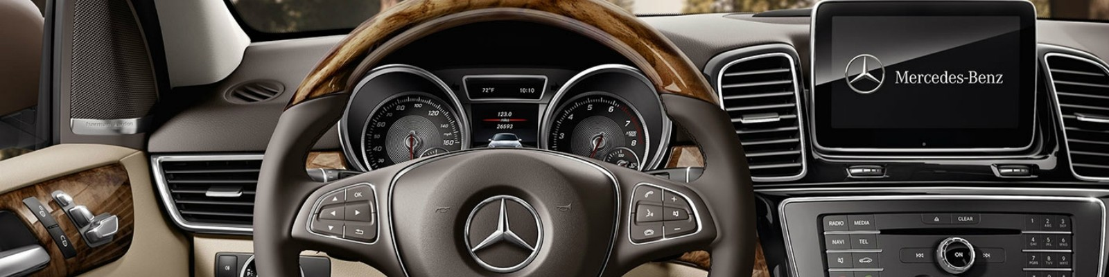 120565-Walters-Automotive-2018-GLE-SUV-dashboard